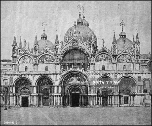 St. Mark's in Venice, Italy, photo from 1880 / Markuskirche in Venedig, Italien, Foto von 1880, Historisch, historical, digital improved reproduction...
