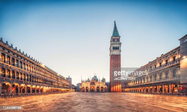 st marks square and st. mark's basilica in the early morning,venice,italy - venezia foto e immagini stock