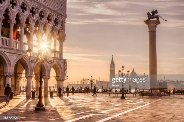 st. mark's square, venedig, italien - travel destinations stock-fotos und bilder