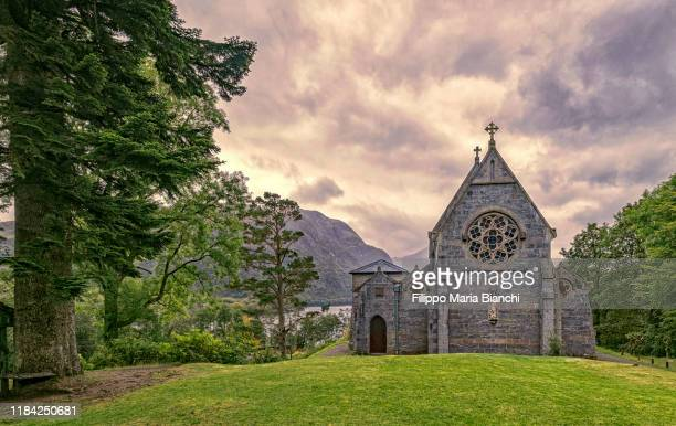 st mary and st finnan's catholic church - church stock pictures, royalty-free photos & images