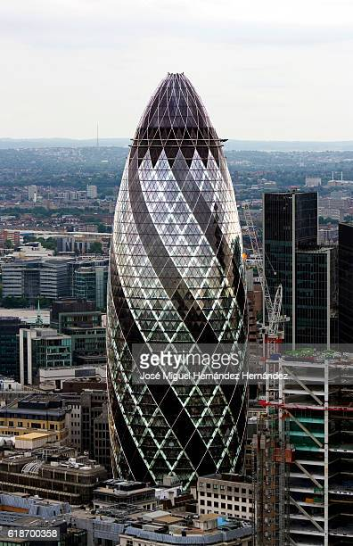 30 St Mary Axe, The Gherkin, Swiss Re (Norman Foster)