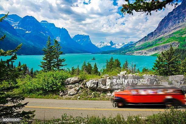 lago st mary, montanhas, o glacier national park, viagem e turismo - parque nacional glacier - fotografias e filmes do acervo