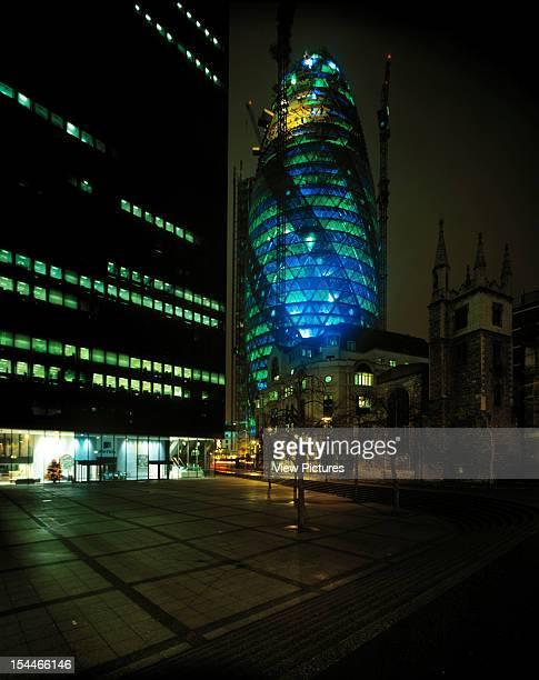 30 St Marys Axe The Gherkin Swiss Re London United Kingdom Architect Foster And Partners Swiss Re Tower St Mary Axe Gherkin Construction Night Shot