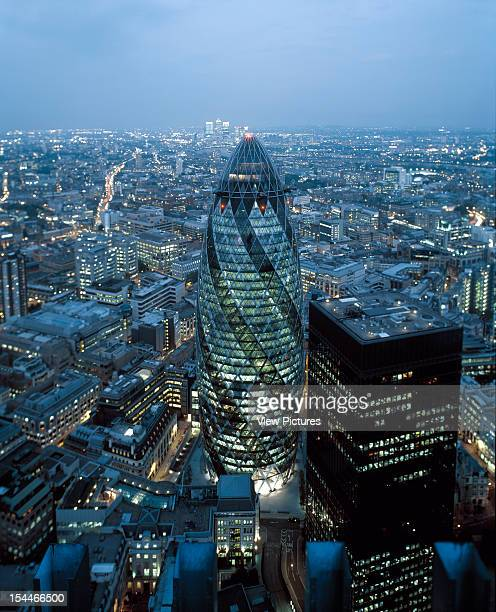 30 St Marys Axe The Gherkin Swiss Re London United Kingdom Architect Foster And Partners Swiss Re Tower St Mary Axe Gherkin View From Tower 42 At Dusk