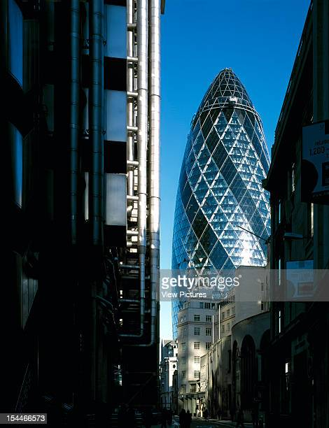 30 St Marys Axe The Gherkin Swiss Re London United Kingdom Architect Foster And Partners Swiss Re Tower St Mary Axe Gherkin View With Lloyd'S From...