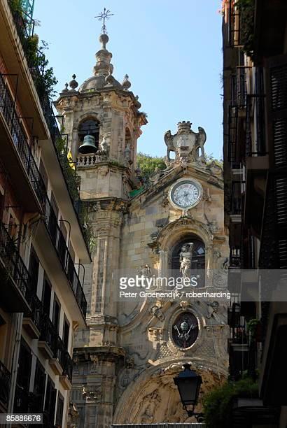 st. mary's basilica, old town of donostia, san sebastian, basque country, euskadi, spain, europe - bairro antigo imagens e fotografias de stock