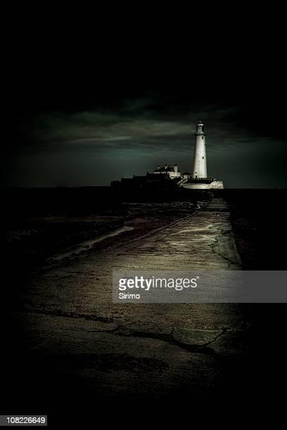 st mary's faro, whitley a la bahía - mary moody fotografías e imágenes de stock