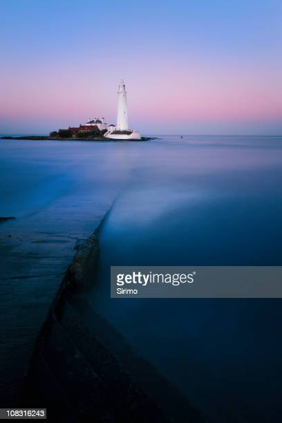 st mary's lighthouse sunset long exposure - northeastern england stock photos and pictures