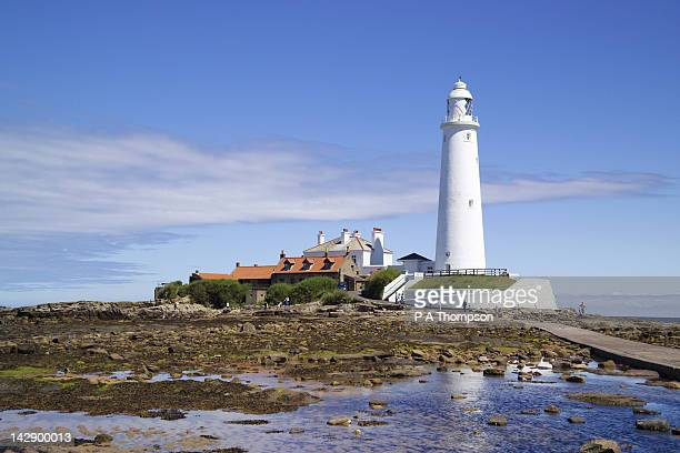 st marys lighthouse, whitley bay, tyne and wear, england - whitley bay stock pictures, royalty-free photos & images