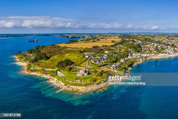 st. mawes and st. mawes castle, near falmouth, cornwall, england, united kingdom, europe - gavin hellier stock pictures, royalty-free photos & images