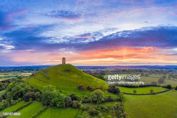 st. michael's church tower on glastonbury tor, glastonbury, somerset, england, united kingdom, europe - gavin hellier stock pictures, royalty-free photos & images