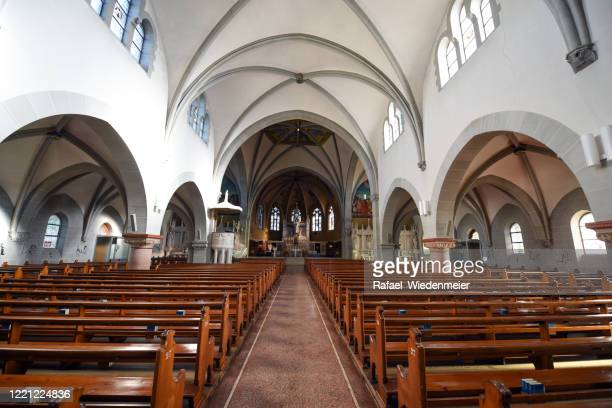 st michael's curch - train - nave stock pictures, royalty-free photos & images