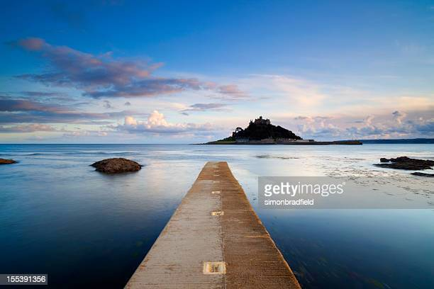 st michael's mount in cornwall - st michael's mount stock pictures, royalty-free photos & images