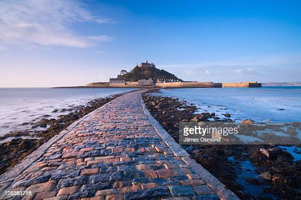 st michael's mount. marazion. cornwall. england. uk. - st michael's mount stock pictures, royalty-free photos & images