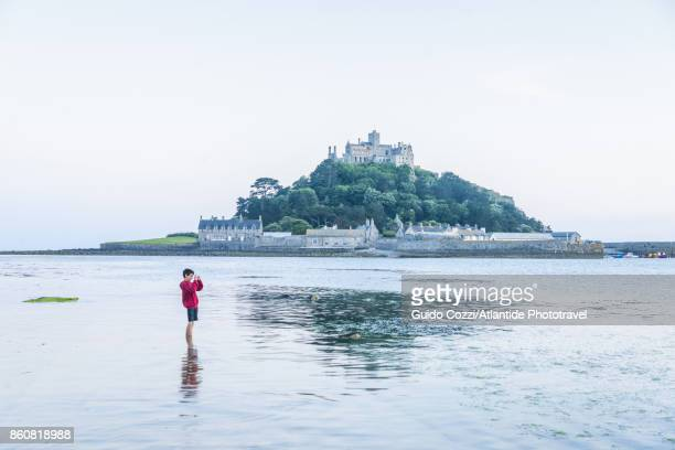 st michael's mount, near penzance - st michael's mount stock pictures, royalty-free photos & images