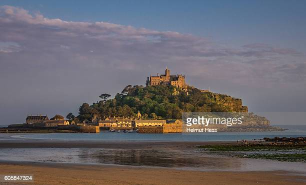 st. michaels mount - st michael's mount stock pictures, royalty-free photos & images