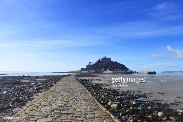 st. michael's mount - low tide stock pictures, royalty-free photos & images