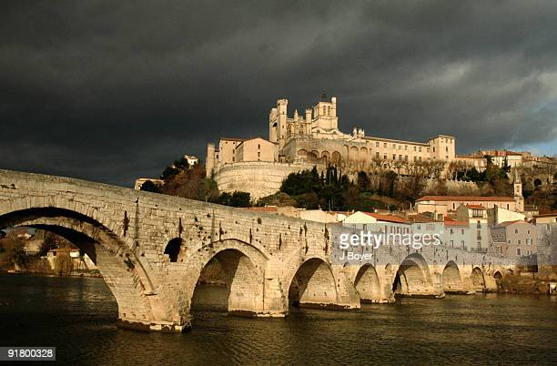 st nazaire bridge, beziers, france - loire atlantique stock pictures, royalty-free photos & images