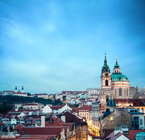 st nicholas's church in prague at evening - st. nicholas cathedral stock pictures, royalty-free photos & images