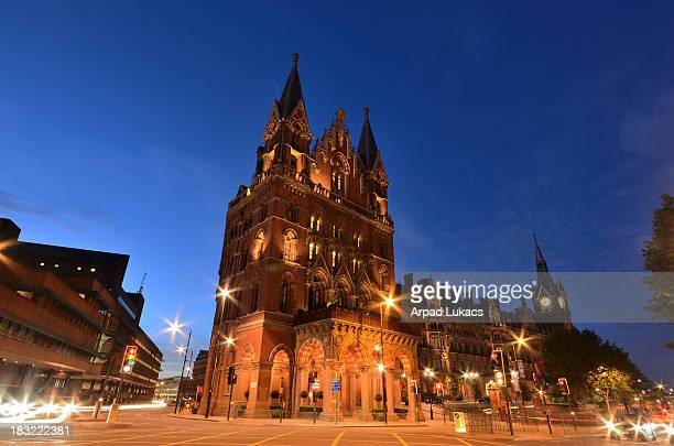CONTENT] St Pancras Renaissance London Hotel captured in the evening The building is adjacent to St Pancras railway station and is next to the...