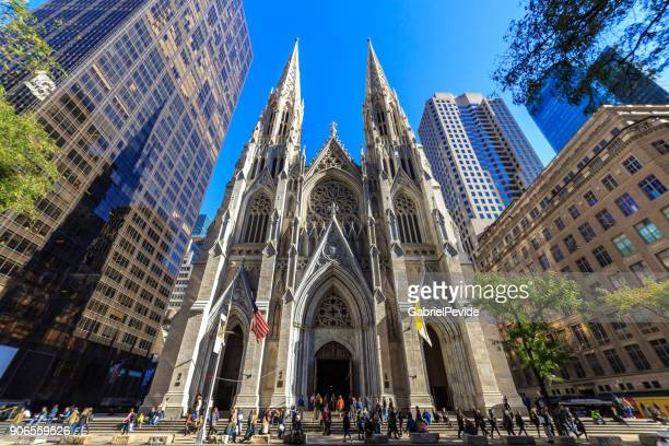 st patrick's cathedral manhattan - st. patricks cathedral manhattan stock photos and pictures