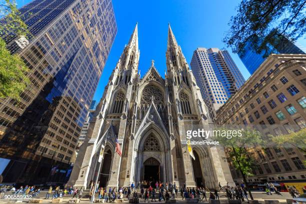 st patrick's cathedral manhattan - cathedral stock pictures, royalty-free photos & images