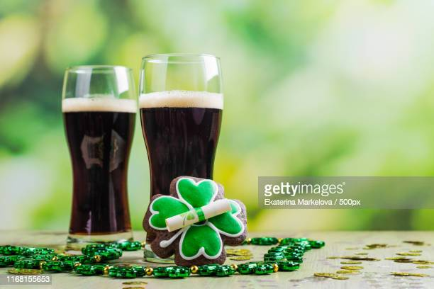 st patricks day background - st patricks background stock pictures, royalty-free photos & images