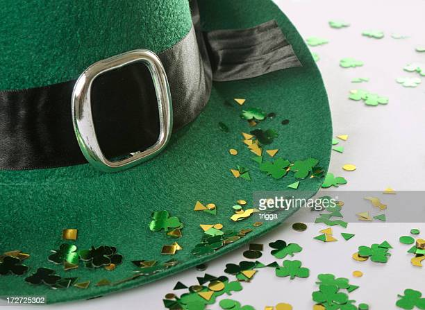 st patrick's day hat - st patricks background stock pictures, royalty-free photos & images