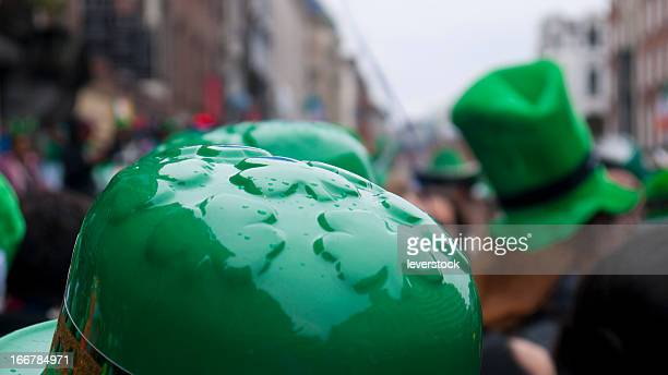 st. patrick's day parade - st patricks day stock pictures, royalty-free photos & images