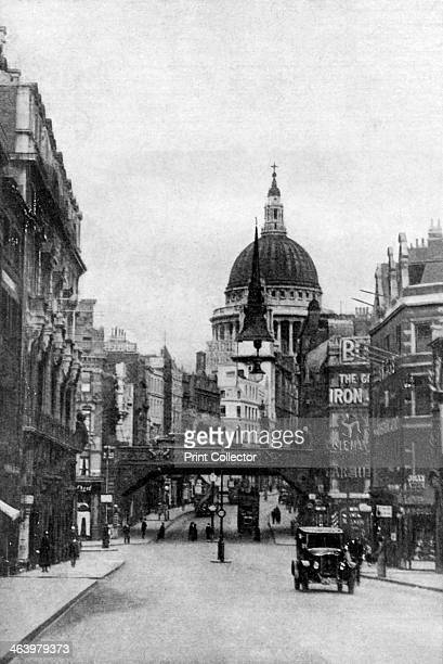 St Paul's Cathedral from Fleet Street on a Sunday London c1930s The dome of Sir Christopher Wren's cathedral built to replace the one destroyed by...