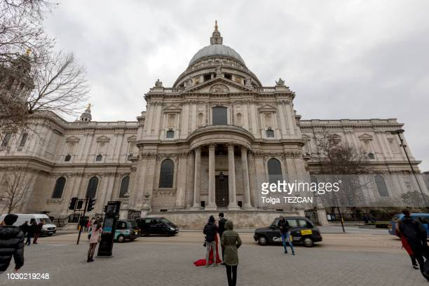 st paul's cathedral in london, england - greater london stock pictures, royalty-free photos & images