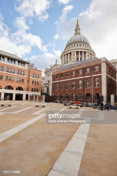 st paul's cathedral in the city of london in england, united kingdom - david soanes stock pictures, royalty-free photos & images