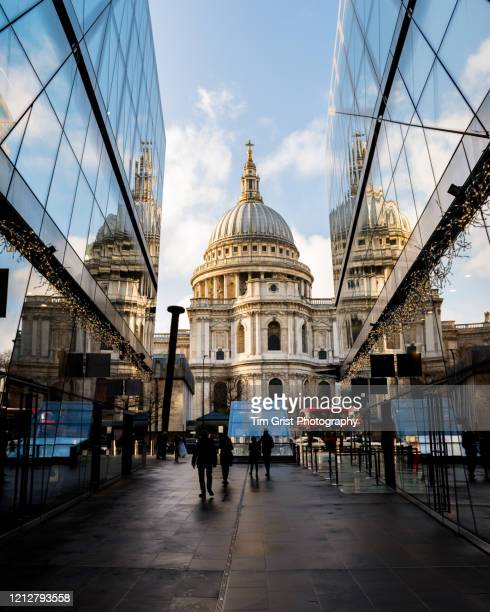 st paul's cathedral, london, uk. - tim grist stock pictures, royalty-free photos & images