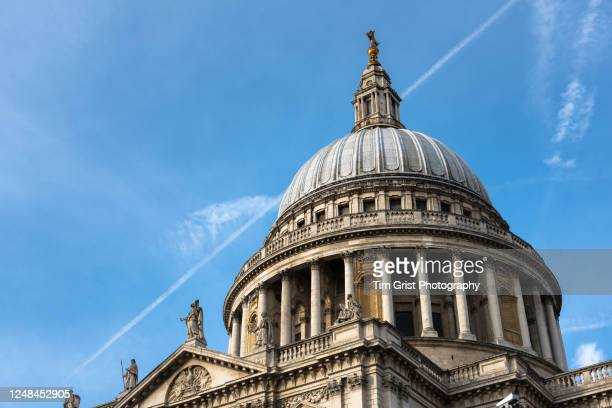 st paul's cathedral, london, uk. - international landmark stock pictures, royalty-free photos & images