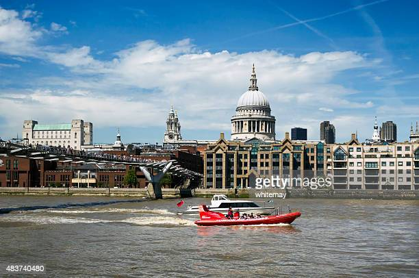 st paul's cathedral, river thames, boats and millennium bridge - river thames stock pictures, royalty-free photos & images