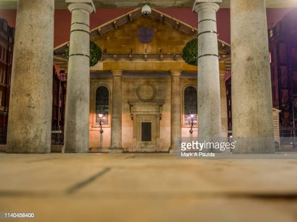 st paul's church at covent garden - covent garden stock pictures, royalty-free photos & images
