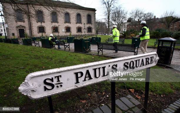St Paul's Square in Birmingham near the city's Jewellery Quarter showing examples of signs both with and without an apostrophe