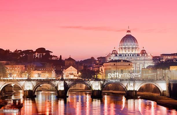 St Peters Basilique et le Tibre, Rome, Italie