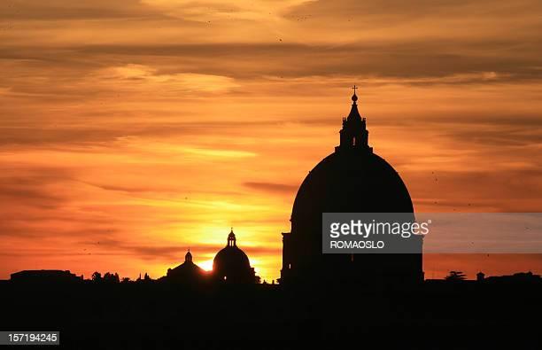 Basilique Saint-Pierre au coucher du soleil, Rome, Italie