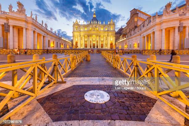 st. peter's basilica in rome - lagarde stock photos and pictures