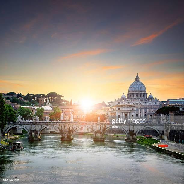 basilica di san pietro - alba foto e immagini stock