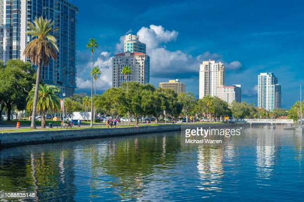 st. petersburg, florida skyline and harbor - st. petersburg florida stock pictures, royalty-free photos & images