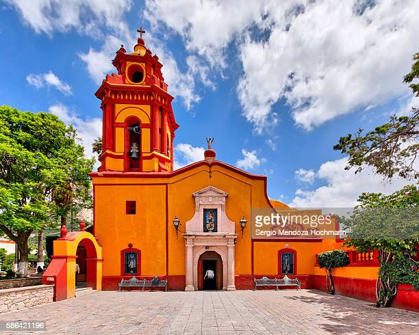 st. sebastian temple - bernal, mexico - queretaro state stock pictures, royalty-free photos & images