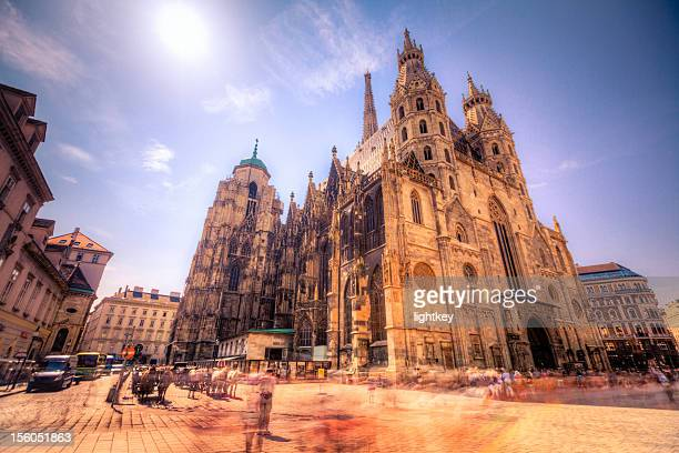 st stephen's cathedral in vienna, austria. - vienna austria stock pictures, royalty-free photos & images