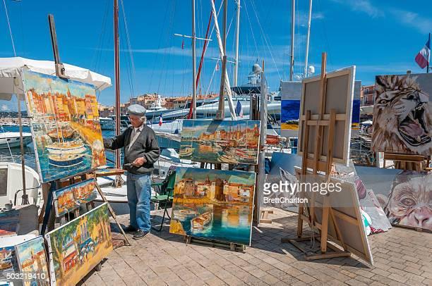 saint-tropez artista callejero - saint tropez fotografías e imágenes de stock