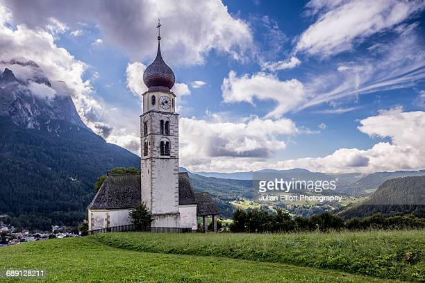 st valentin chapel in the dolomites; - chapel stock pictures, royalty-free photos & images
