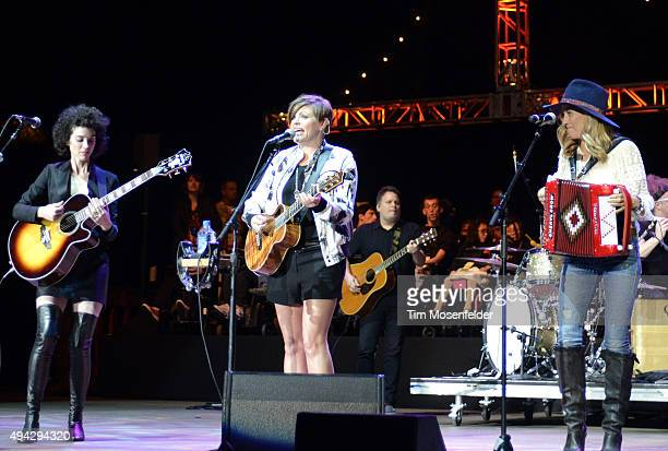 St Vincent Natalie Maines of Dixie Chicks and Sheryl Crow perform during the 29th Annual Bridge School Benefit at Shoreline Amphitheatre on October...