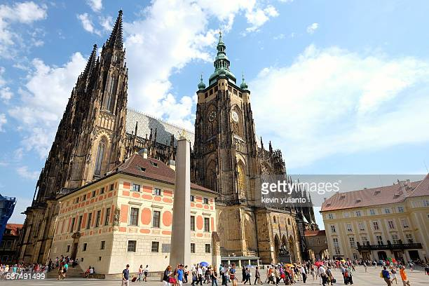 st. vitus cathedral - hradcany castle stock pictures, royalty-free photos & images