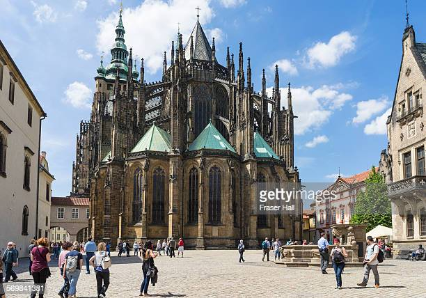 st vitus's cathedral, prague - cathedral stock pictures, royalty-free photos & images
