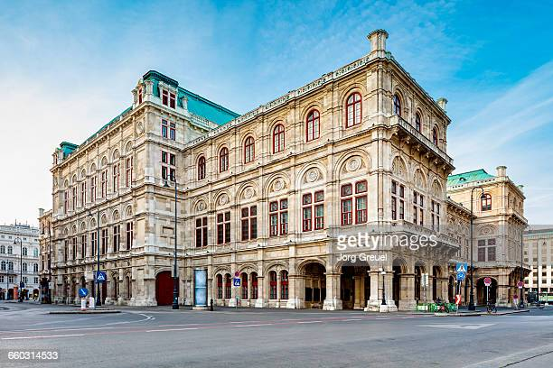 staatsoper - vienna state opera stock pictures, royalty-free photos & images